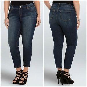Torrid Denim Plus Size Dark Wash Capri Jeans